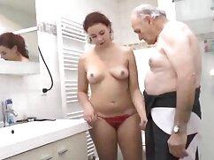 Szexi zuhanyzó