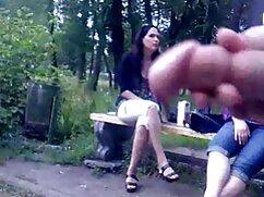 Egy férfi, akinek a teste olyan szép, mint a szivattyú, szexel ázsiai nő pufókkal, nagy mellekkel. családi szex filmek A férfi megsimogatta a nagy melleit, majd a farkát a heréjéhez simogatta. Gyönyörű engedve, hogy a rák, élvezze a szex mohó.