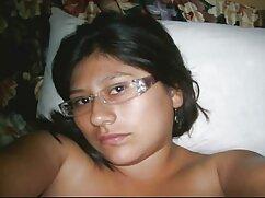 A lány úgy döntött, hogy lepje meg a férjét, majd a fürdő, óvatosan nyissa ki az ajtót, és Ó, Istenem, Fürdőlepedő esik tőle, mert egy csodálatos fotó, mert látta, hogy egy fotó a szeme előtt, hogy az életben van elég családi sexvideok képzelőerő. A férj meztelen libidó, duzzadt állt a fürdőszobában, ráadásul az anya tart valamit a kezében, és meglepődött, hogy egy férfi tiszta szemmel nyáladzik.