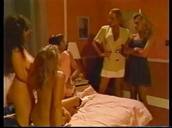 Videó pornó tépte a bugyit egy lány, meg baszni. Kategória anális, borotvált, fekete-ében, Csoportos szex, ellenfél szex, családi pornok Szájba Élvezés, rövid nadrág, Harisnya, Tini, Szex, Orális, Szopás, Orosz, cum on face.