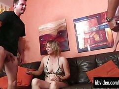 A mester rabszolgája, mint általában, még mindig rossz, de családi sex ingyen ma nem a nemi közösülés hangulata, ezért elkapja a fickót, aki előtte rángatózik, engedelmeskedik neki, nem vita nélkül. Amikor a tag felkelt, megpróbálta bátorítani őt a lába között, de ő nem engedte, majd ad neki egy nylon lábak, míg ő cum állva.