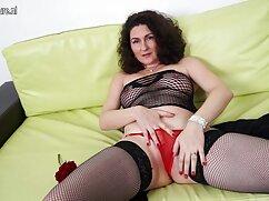 Videó pornó családi szexfilm egy pár érett tanítja a fiatal lány, hogyan kell dugni. Kategóriák Szőke, Barna, cum nyelési, Orális Szex, Hármasban, arckezelések.